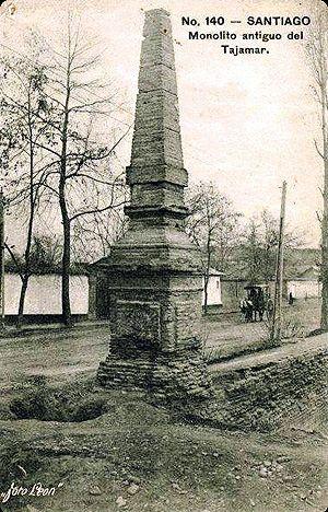 """La """"Pirámide"""" recién restaurada, en 1917, en imagen publicada en la obra """"Los nichos de Providencia en los antiguos tajamares"""".   Coorden..."""
