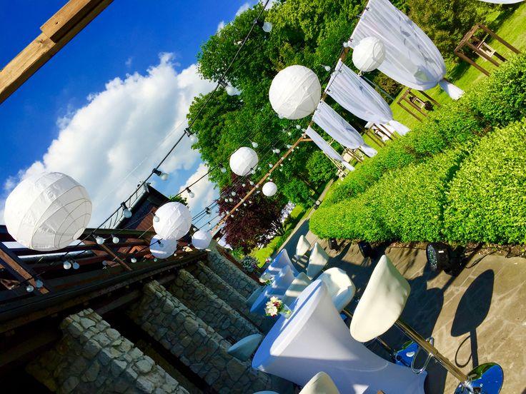Dekoracje w ogrodzie - Dwór w Tomaszowicach / wedding decoration in Tomaszowice Manor/Poland.  Dekoracje/decorations: www.margaritta.pl #dwortomaszowice #tomaszowice