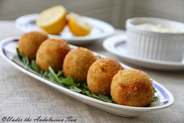 Papas rellenas - Cuban potato croquetas (this time stuffed with spicy sausage)