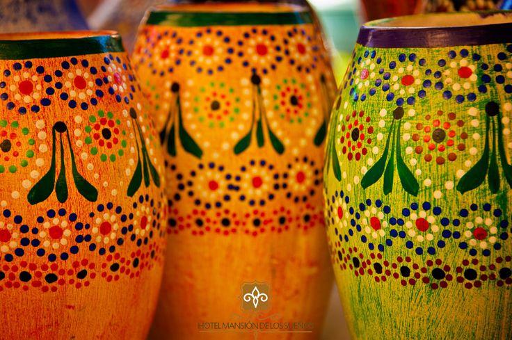 El tianguis artesanal de Semana Santa en Pátzcuaro ¡Una experiencia que debes vivir!, más de 400 expositores de todas las regiones cercanas al lago. #ExperimentaTusSueños Fotografía de Arturo Lavin #Patzcuaro #Michoacán #México #Hotel #Viaje #Travel #Boda #Wedding #Colonial #Barroco #Mansión #Sueños #Tesoros #Lacustre #Lago #Puerto #Comida #TataVasco #Monumentos #Patrimonio #Cultura #Tianguis #Artesanias