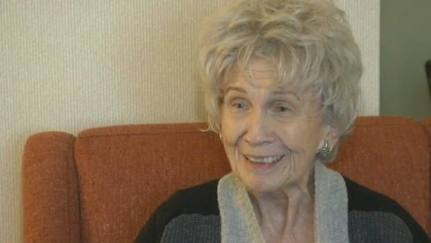 Alice Munro is 1st Canadian woman to win Nobel literature prize!