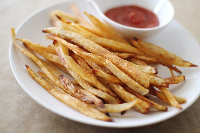 Homemade baked french fries...definitely want to try this recipe out! From http://elephantineblog.com/2013/03/baked-french-fries.html  Photo Credit: http://elephantineblog.com