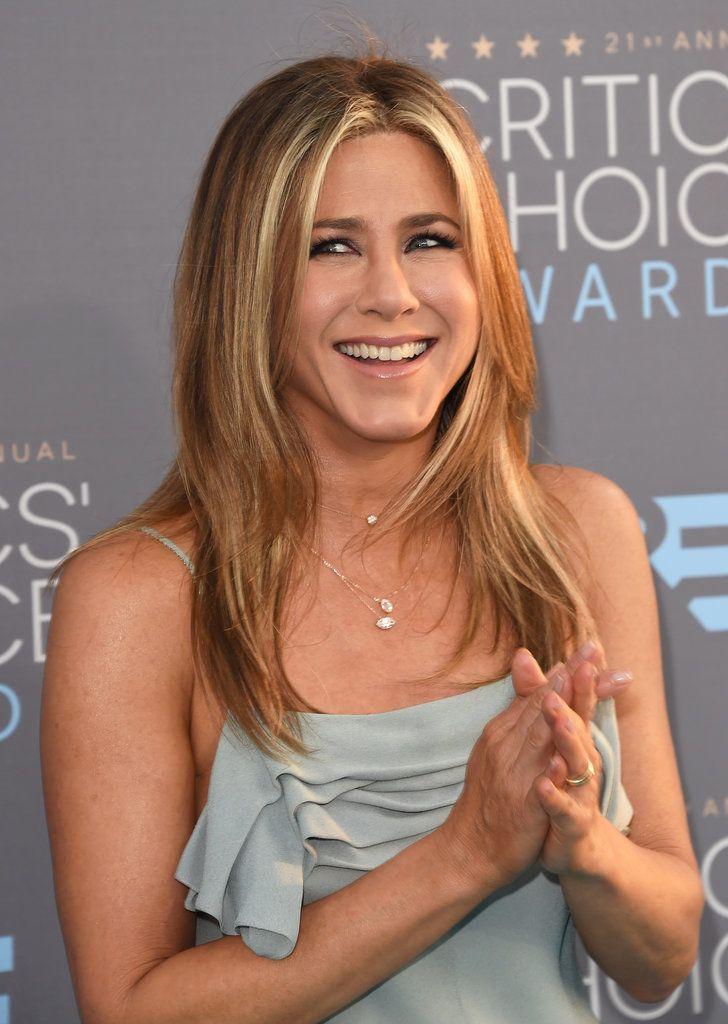 Jennifer Aniston's Hair at the 2016 Critics' Choice Awards ...