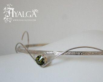Tiara gemaakt van sterling zilver en swarovski kristal, beschikbaar in meer kleuren