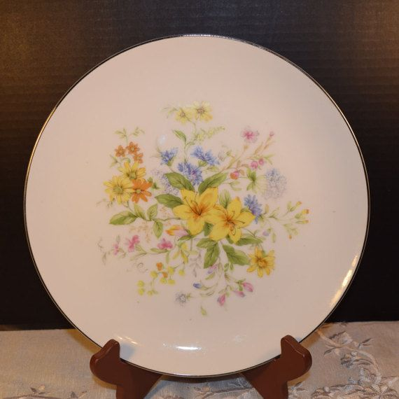 Check out this item in my Etsy shop https://www.etsy.com/listing/254414324/gildhar-spring-bouquet-dinner-plate