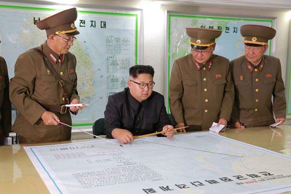"Korea Utara Kembangkan Bom Hidrogen : Korea Utara pada Minggu menyatakan telah mengembangkan bom hidrogen yang memiliki ""kekuatan merusak luar biasa"" sementara Presiden Amerika Serikat Donald Trump"