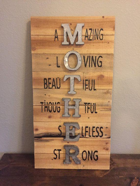 awesome Idées cadeaux pour la fête des mères 2017 - Mother Sign, Mothers Day Sign, Wall Sign, Pallet Sign, Wood Sign, Holiday Sign, Reclaimed Wood Sign