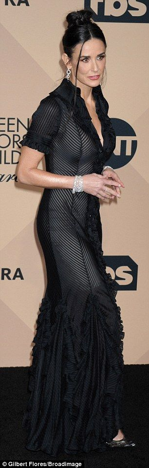 SAG Awards 2016 sees Demi Moore look flawless for her fifties | Daily Mail Online