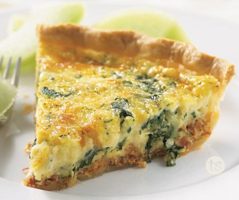 A simple and delicious quiche for Easter morning! │Bacon & Spinach Quiche Recipe