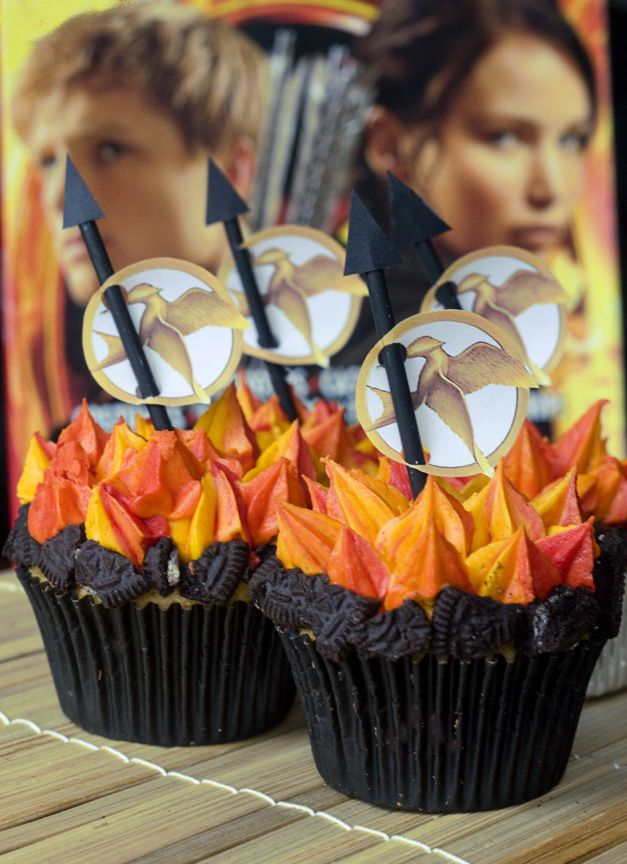 Hunger Games cupcakes...funny!Birthday, The Hunger, Catching Fire, Food, Games Cupcakes, Hunger Games, Fire Cupcakes, Games Parties, Cupcakes Rosa-Choqu