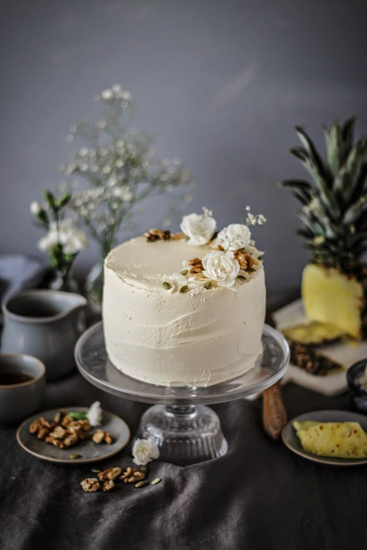 this carrot cake it jam packed with flavours.to make iti added,dessicated coconut,crushed pineapple, chopped walnuts and pumpkin seeds as well as candied ginger pieces...