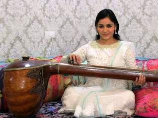 News On India,Hindi News India,Agra Samachar: सैफई परिवर की एकता को भी मजबूत करेगा लखनऊ कैंट का ...
