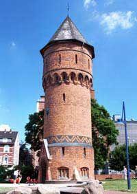 Wasserturm auf dem Friedrich-Ebert-Platz