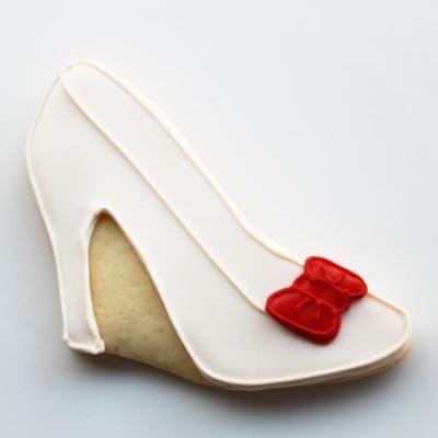 Vintage Bow Shoe Cookie Favors