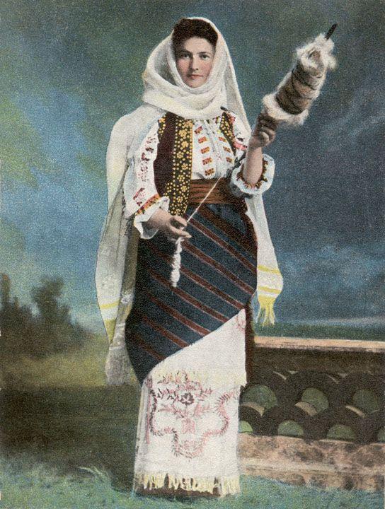 Romania Gallery / Woman Spinning - Port Naţional Român Postcard