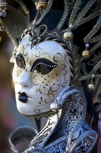 venetian mask. #masks #venetianmasks http://www.pinterest.com/TheHitman14/artwork-venetian-masks-%2B/