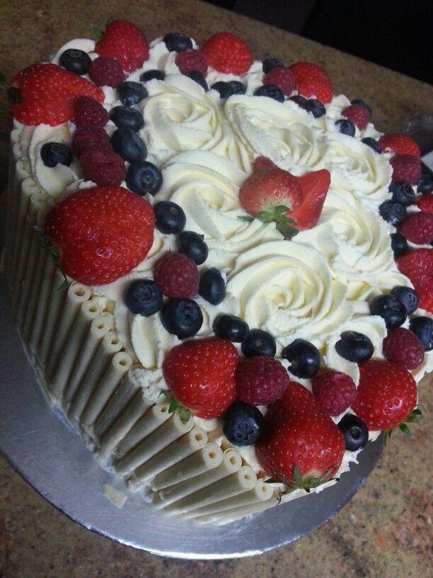 Cigerello fresh fruit cake