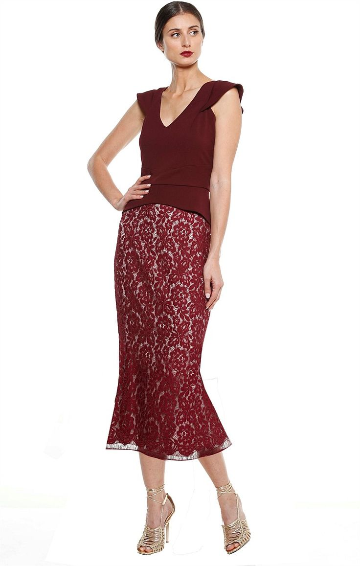 EXCELSIOR PEPLUM V-NECK CAP SLEEVE CREPE TOP IN BURGUNDY