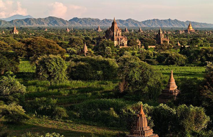 La antigua Pagán  Saquedada por el Gran Khan de Catai. De aqui procede el nombre de paganos. Bagan. Birmania