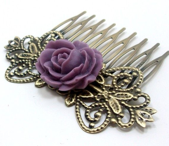 Pretty vintage inspired hair comb