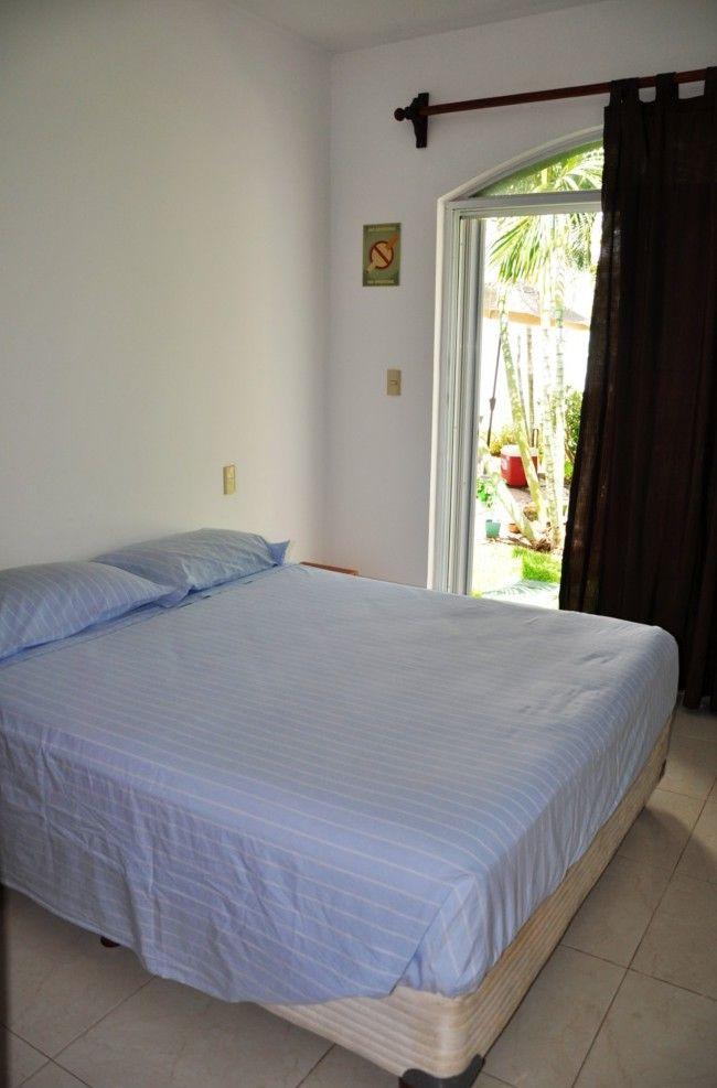 Habitación con acceso y puerta al jardín, cama matrimonial, amplio closet, baño con ducha, aire acondicionado, ventilador y Wi-Fi. #playadelcarmen #playacar #caribe #sol #mar #party #mexico #caraibi #ff #rivieramaya #bedandbreakfast #messico #vacaciones #vacanze #facebook #playa #spiaggia #love #beach #instagood #me #cute #follow #like #followme #summer www.playavintage.com