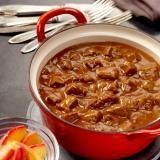 Traditionele hachee met gebakken appeltjes
