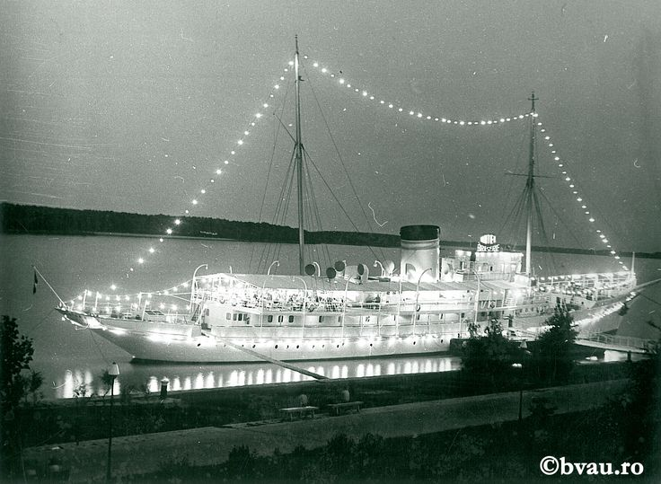 """Galați : Perla Dunării : (Nocturnă cu vasul Libertatea) / Năstase Marin .- Galaţi, 1971. Imagine din colecțiile Bibliotecii """"V.A. Urechia"""" Galați."""