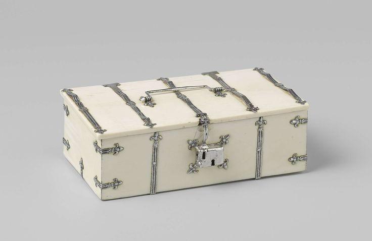 Kist van ivoor met zilveren beslag, anoniem, 1400
