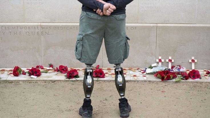 Reino Unido conmemoró el Día del Armisticio, que concluyó la Primera Guerra Mundial el 11 de noviembre de 1918, con distintas ceremonias. (AFP)