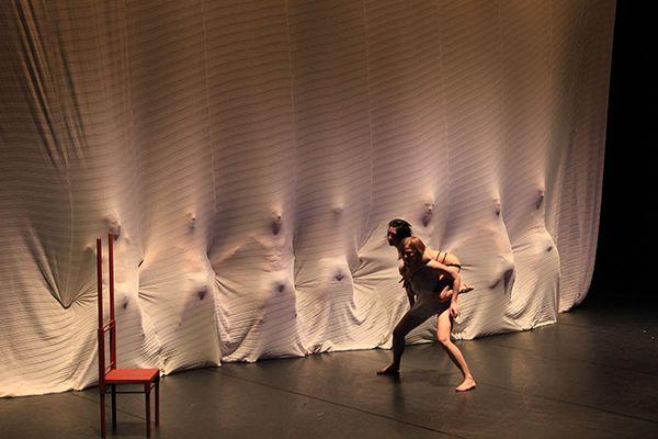 'Belle'. Cía. Deborah Colker en Auditorio Sodre. Setiembre 2014. Fotografía Karina Scarone