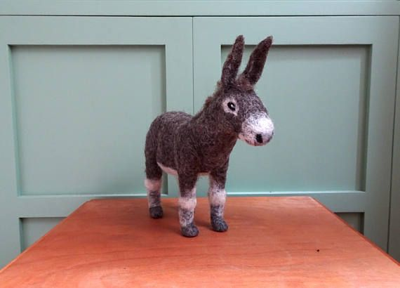 Esel gefilzter Esel Statuette Maultier Textil Skulptur Textil Kunst Filz Dekoration Bauernhof Tiere gefilzte Tiere Filztiere
