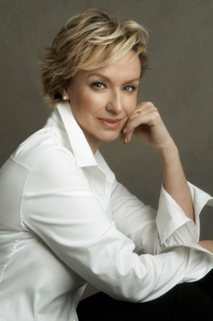 Tina Brown by Annie Leibovitz. Makeup by Elaine Madelon