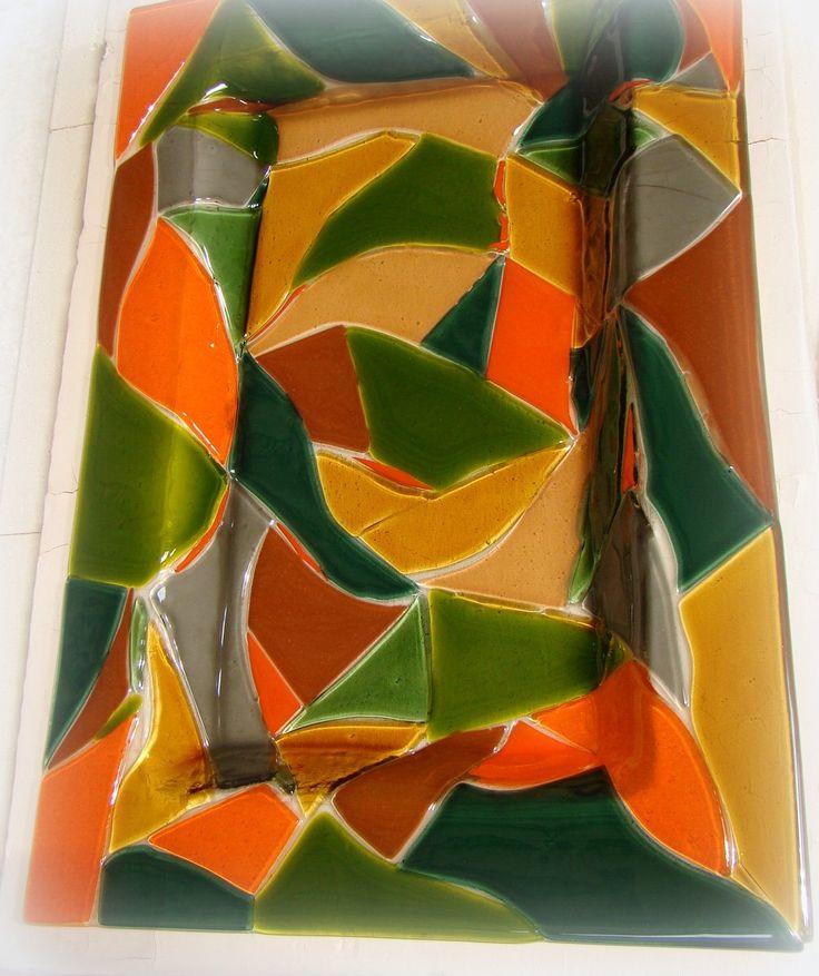 Patera ręcznie robiona ze fusingu - szkła stapianego - z manufaktury Riwal. Fusing. Fused glass.