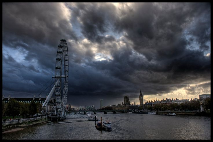 London, England Storm over the Thames (via Romanywg)