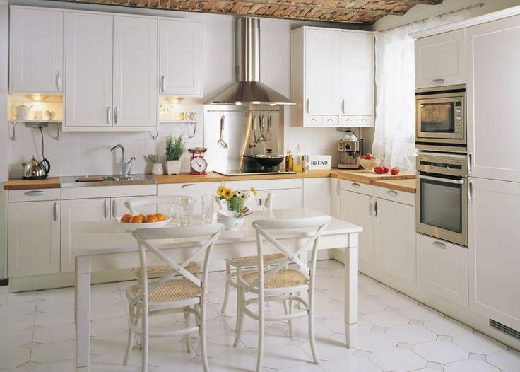 Oras Aventa keittiöhana Puustelli keittiössä  Kitchen