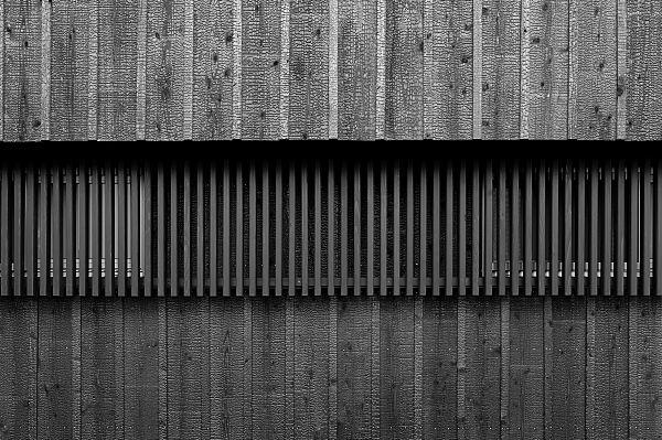 焼き杉 : 建築写真          建築写真専門tonomophoto+