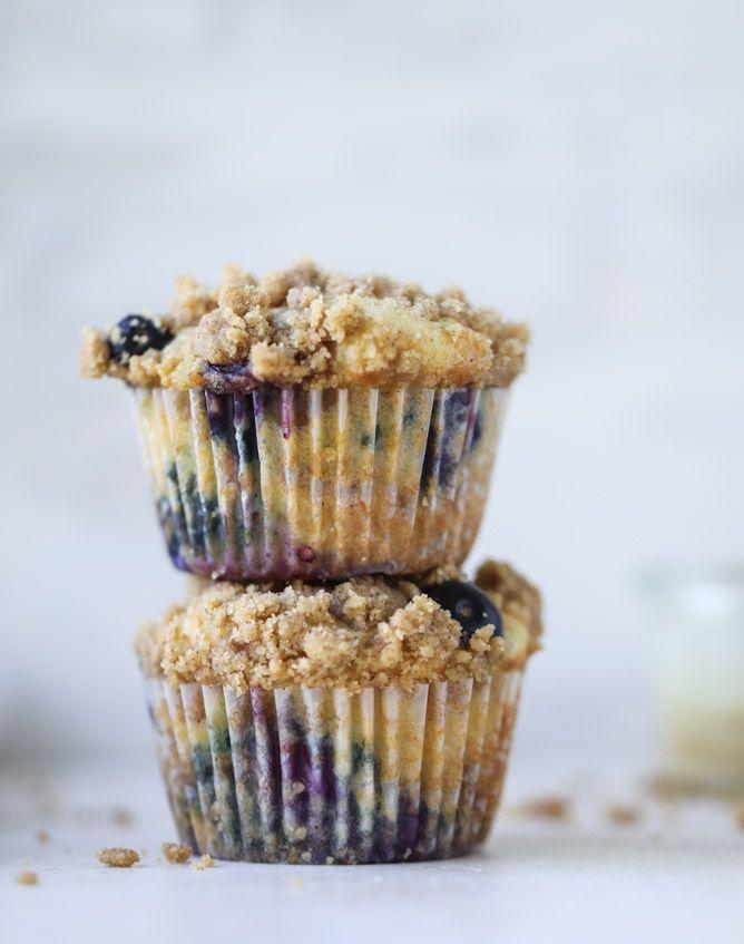 bursting blueberry coffee cake muffins I howsweeteats.com