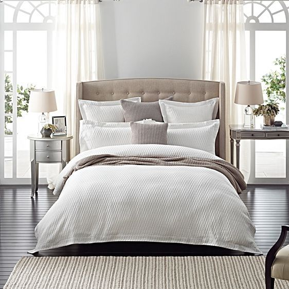 Instil elegant looks in your bedroom with the timeless trellis pattern and quality Egyptian cotton of the Parish Tailored Quilt Cover from Sheridan.