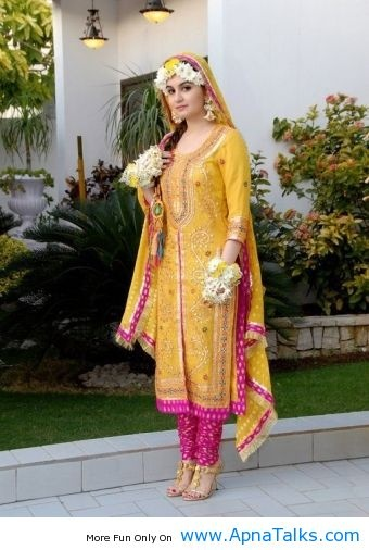 http://www.apnatalks.com/awesome-mayoon-and-mehendi-dresses-for-bride-mayoon-mehndi-dresses/