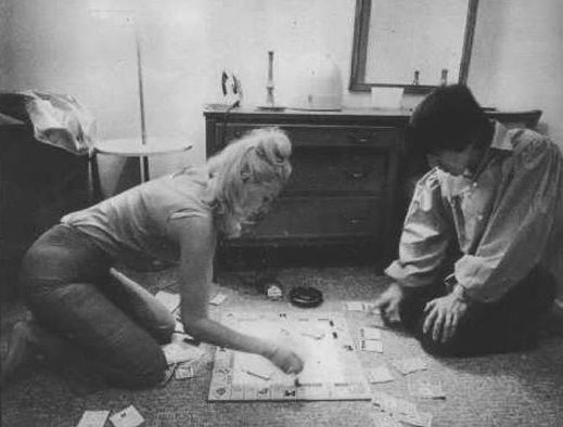 30th August 1964. George and Jackie DeShannon play Monopoly at Lafayette Motor Inn, Atlantic City. Now that's Rock and Roll!
