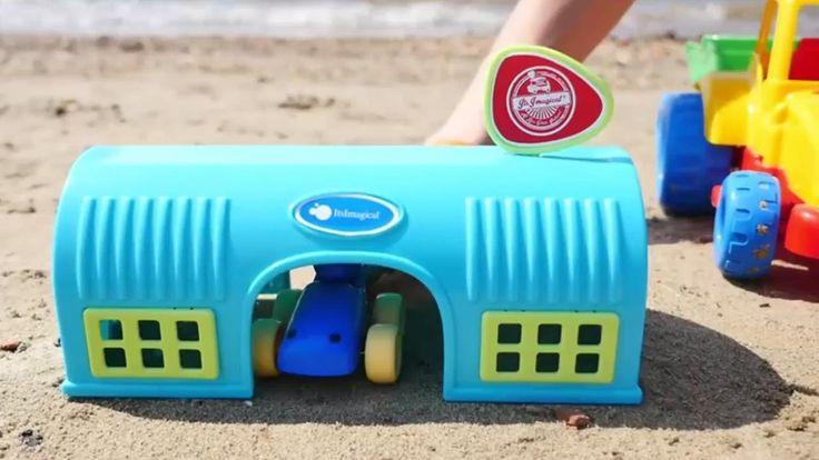 Kinderfilm - Wir spielen im Sand - Die neue Garage und die Tankstelle
