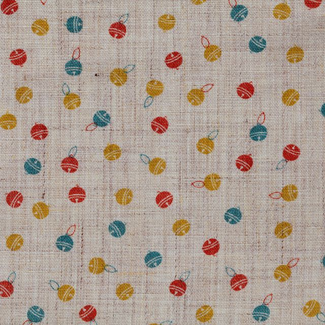 【小紋 鈴(中川政七商店)】/小さな鈴を散りばめた柄です。鈴は縄文時代に木の実を振ると音が鳴ることから考えられて物だと言われていて、鈴の音は邪気を払う魔除けに鳴るとも言われています。 #japanesetextiles #textile #patterns