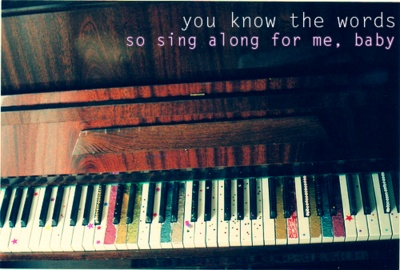 this is a pretty piano. with a mayday parade quote.