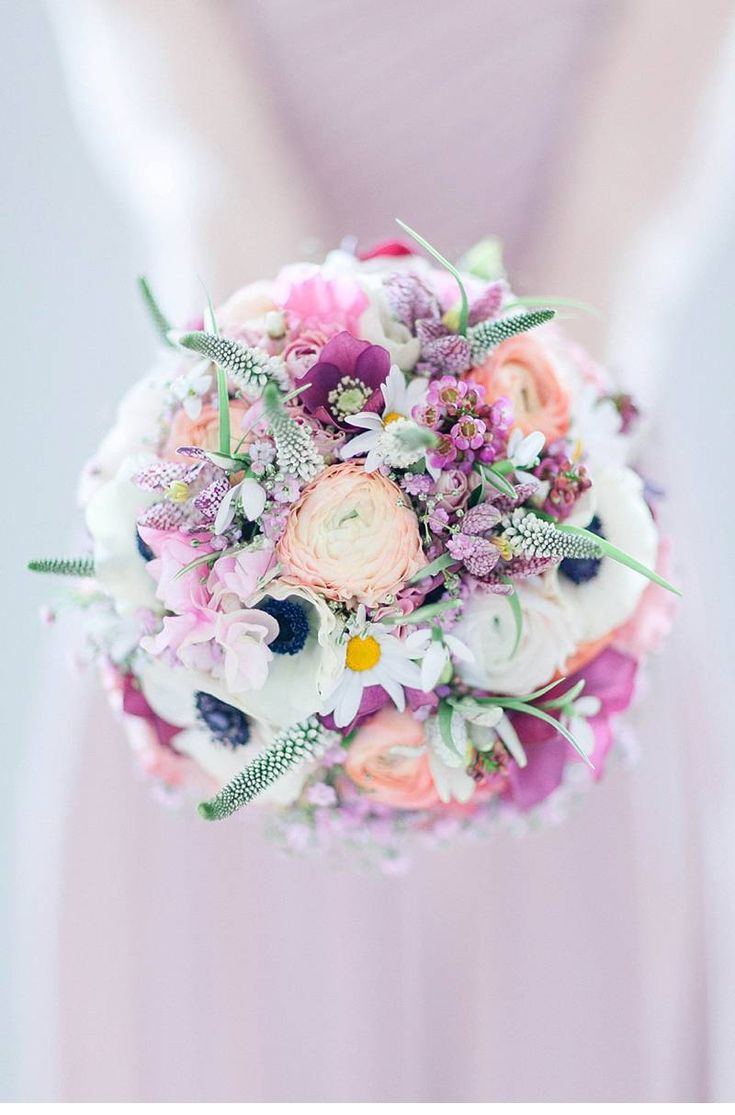 877 best images about pastel bouquet on pinterest peach for Pastel colored flower arrangements