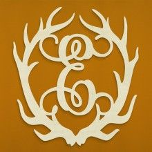 I have a small obsession with antlers... And monograms and when these two combine, I'm in love!!