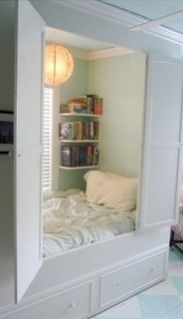 this is so cute (:  i realllllly want a hidden bed!