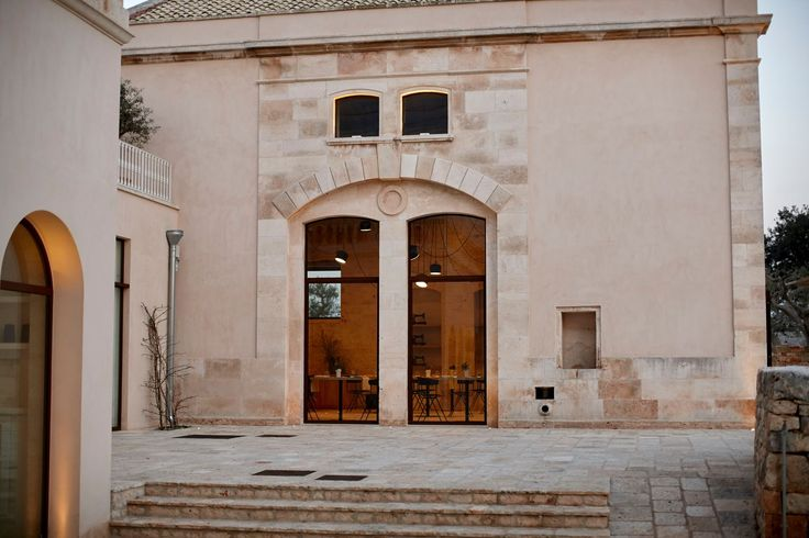 Pleroo Design and Davide Licci turned a wonderful villa from the late 19th century into a welcoming #resort in Polignano