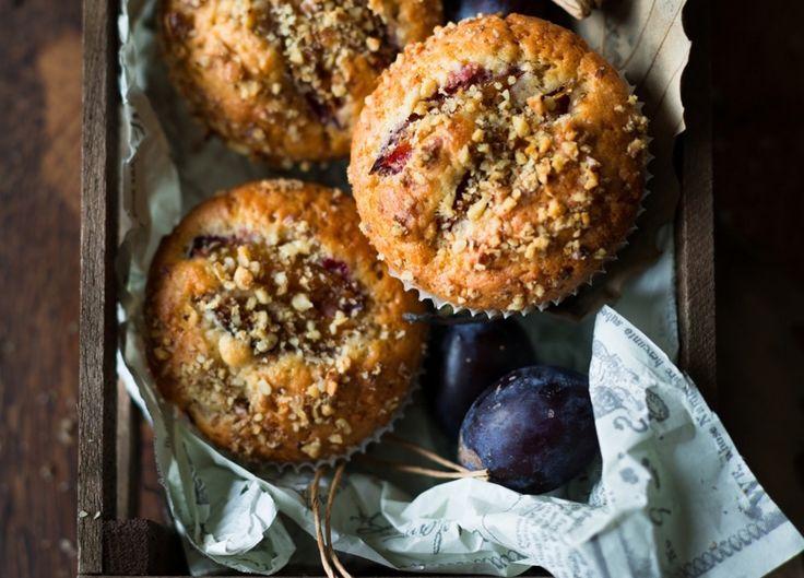 Muffiny to najszybszy sposób, żeby na deser zjeść ciepłe ciastko. Jeśli teraz wyjmiecie miskę, za 25minut będą gotowe!