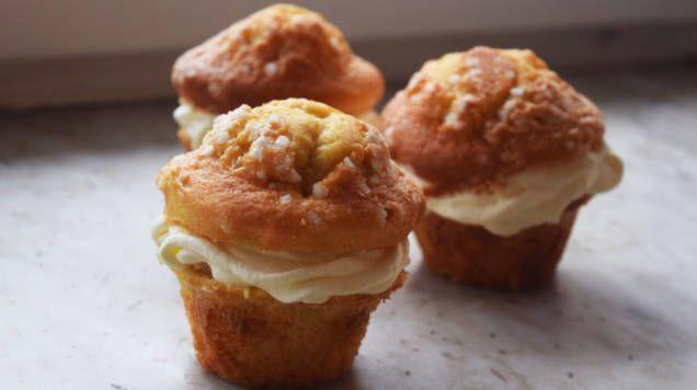 En blandning av två underbart goda bakverk, muffins och semla - i en riktigt smaskig kombination. Så här enkelt är det att göra dina egna!