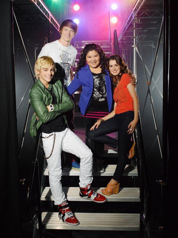Segunda Temporada, Episódio  - Austin e Jessie e Ally - Parte 1 (em português): http://www.disney.com.br/pt/videos/dc/activo/index.jsp?videoId=4470